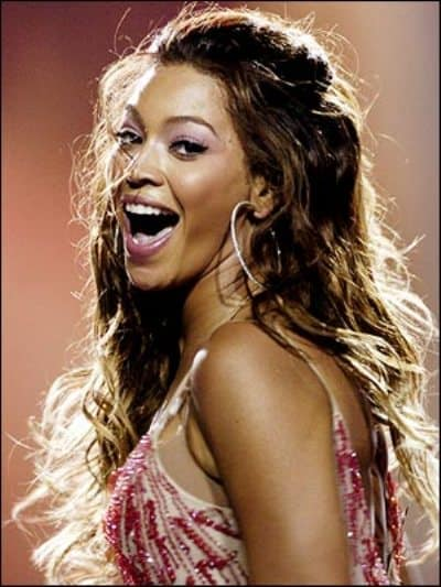 Beyonce is an American R&B/pop singer, fashion designer and also song writer.